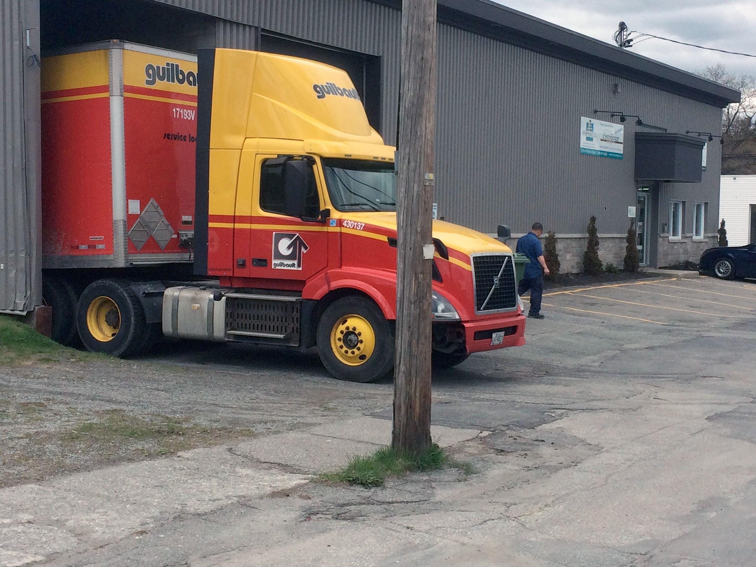 Débarcadère camion bannière accueil