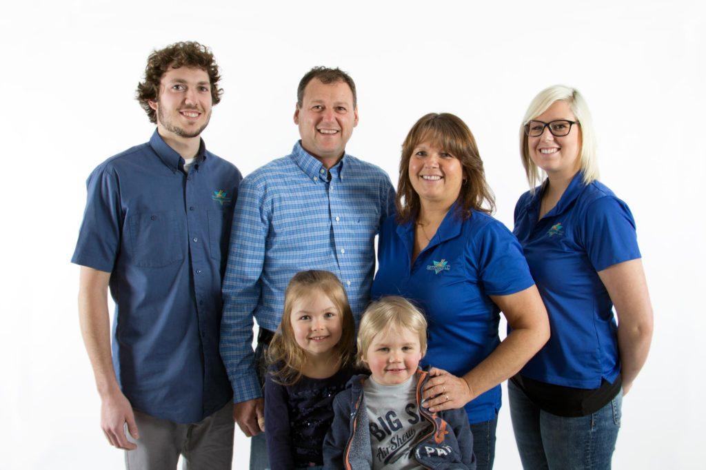 Photo famille entreposage JL